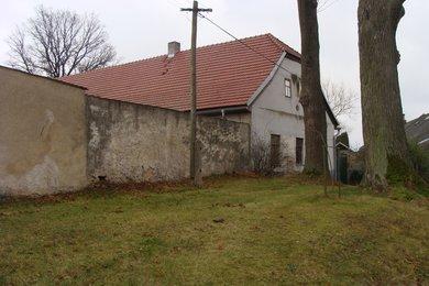 Prodej zemědělské usedlosti v obci Šlapanov u Havlíčkova Brodu, Ev.č.: 00365