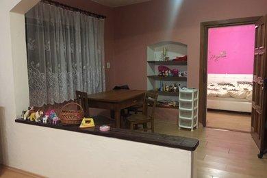Pronájem bytu 2+1 v RD, 100 m2, s venkovním posezením, Náměšť nad Oslavou, Ev.č.: 00394