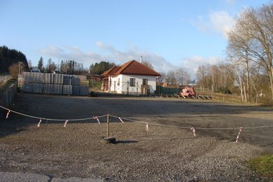 Prodej pozemku 5 004 m2 ke komerčnímu využití v obci Dvorce u Havlíčkova Brodu, Ev.č.: 00398