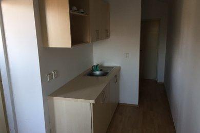 Pronájem komerčních prostor, 204 m² - Třebíč - Borovina, Ev.č.: 00425