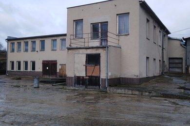 Pronájem administrativní budovy  200 m² - Vlkov, Ev.č.: 00460