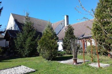 Prodej rodinného domu 6+1 s velkou zahradou 2012 m2, Horní Břečkov, okr. Znojmo, Ev.č.: 00542
