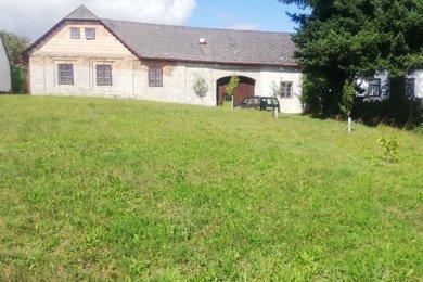 Prodej velké zemědělské usedlosti v obci Moraveč okr. Pelhřimov, Ev.č.: 00588