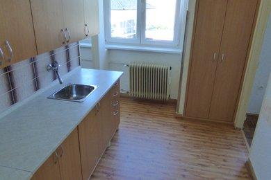 Prodej cihlového bytu 2+1 s balkonem, Náměšť nad Oslavou, Ev.č.: 00639