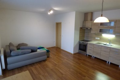 Pronájem bytu 2+kk s balkonem, Náměšť nad Oslavou, Ev.č.: 00748