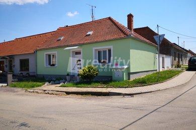Prodej rodinný dům 4+1 s dvorkem, Jaroslavice, okr. Znojmo, Ev.č.: 00856