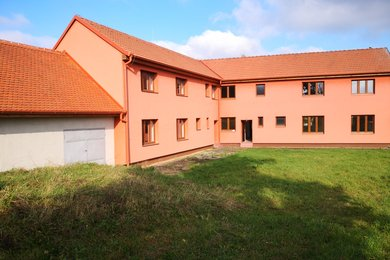 Prodej dvougenerační rodinný dům 2 x 4+1, Chvalatice, okr. Znojmo, Ev.č.: 00869