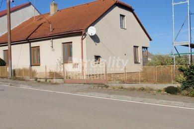 Prodej rodinného domu,  673 m2 - Hluboké u Jinošova, Ev.č.: 00871