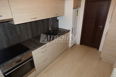 Pronájem bytu 2+kk se zasklenou lodžií, Náměšť nad Oslavou, Ev.č.: 00926