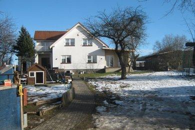 Velký dům v obci Krhanice, okres Benešov., Ev.č.: 00956