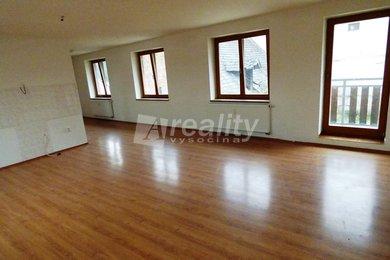 Pronájem bytu 4+kk s balkonem a vlastním vchodem, 111 m2, Náměšť nad Oslavou, Ev.č.: 01246