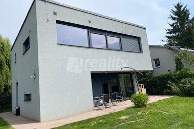 Prodej luxusní vily a chaty se zahradou 750 m2, Říčany u Prahy, Ev.č.: 01248