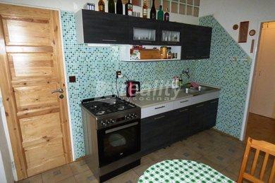 Prodej cihlového bytu 3+1 s garáží a 2 sklepy u Náměště nad Oslavou, Ev.č.: 01249
