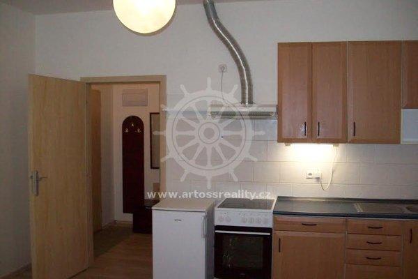 Pronájem, byt 1+kk, ulice Hybešova, Blansko, CP 30 m²