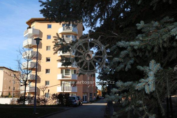 Pronájem, Byt v OV 2+kk s balkonem, Brno - Juliánov, ul. Bělohorská, UP 53 m2 + balkon 6 m2