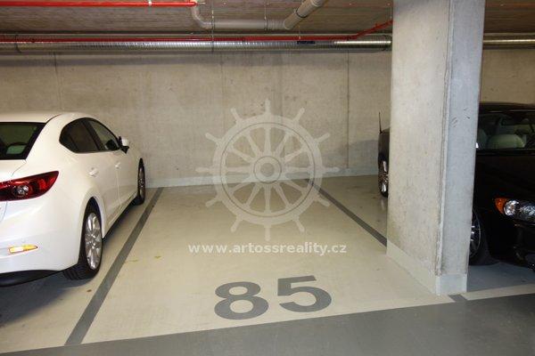 Pronájem podzemního garážového stání v novostavbě, Brno Střed, ul. Lidická, 15 m2