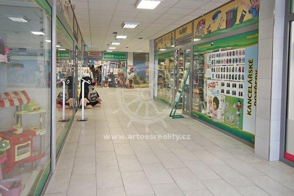 Pronájem obchodní jednotky v OC MLÝN, Tišnov, UP 50,1 m²
