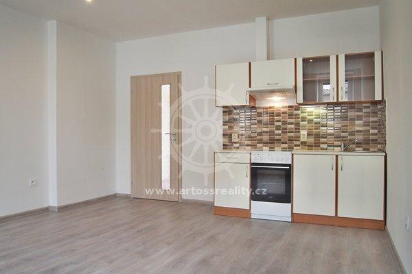 Pronájem bytu 1+kk, Brno-Černovice, ul. Mírová, UP 30 m² + terasa 14 m²