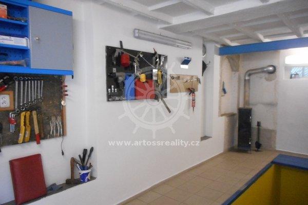 Prodej zděné garáže v OV v Řečkovicích, CP 23 m²