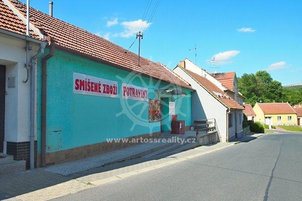 Prodej RD s obchodním prostorem, Mokrá-Horákov, CP 412 m²