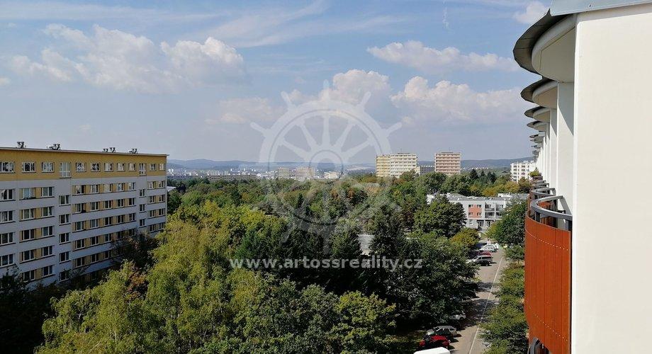 Pronájem bytu 1+1 s balkonem, Brno-Lesná