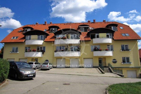 Cihlový byt 2+kk v osobním vlastnictví, parkovací stání, Bílovice nad Svitavou, ul. Lesní