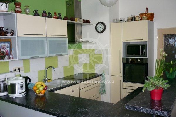 Prodej, byt 3+kk včetně parkovacího stání, ulice Kamnářská, Blansko, sídliště Zborovce, CP 67,05 m²