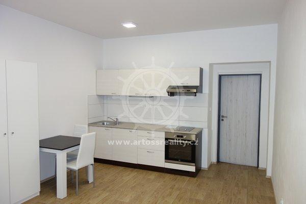 (305A) Pronájem krásného vybaveného bytu 1+kk v centru Brna, ul. Bratislavská, UP 32 m2