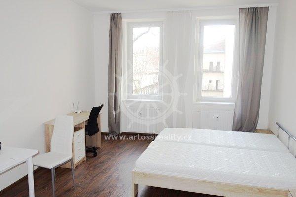 (301B) Pronájem zařízený byt 1+kk v centru Brna, ul. Bratislavská, UP 32 m2