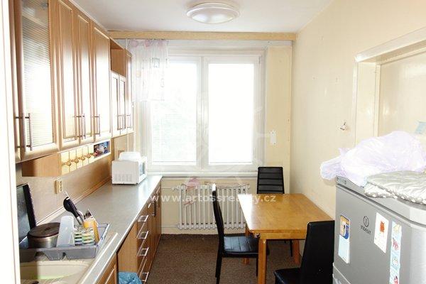 Pronájem samostatného pokoje v zařízeném bytě 3+1 s balkonem, 72 m², Brno, Bohunice, ul. Okrouhlá