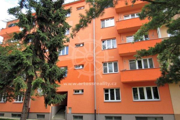 Pronájem cihlového bytu 2+kk, 49m² - Brno - Královo Pole, ul. Skácelova