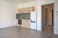 Pronájem novostavby bytu 1+kk s balkonem a parkovacím stáním, Brno-Slatina, ul. Kigginsova, UP 42 m²