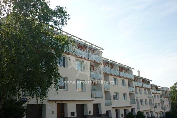 Pronájem bytu 3+1 s garáží, ulice Okružní, Blansko, sídliště Zborovce, CP 80m²