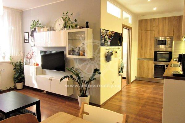 Prodej nadstandardního cihlového bytu 3+kk po rekonstrukci, Kobylnice, Brno - venkov