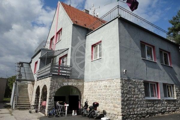 Prodej vily s výtahem a zahradou, Babice nad Svitavou, CP 1002m2