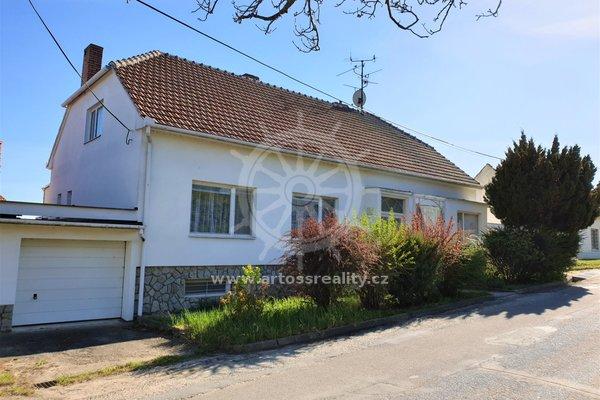 Velký rodinný dům se zahradou a garáží, Týnec, okres Břeclav