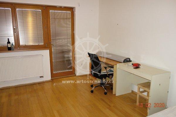 (Š01-3) Pronájem samostatný vybavený pokoj, terasa 4 m2, Brno - Královo pole, ul. Štefánikova, UP 17 m2