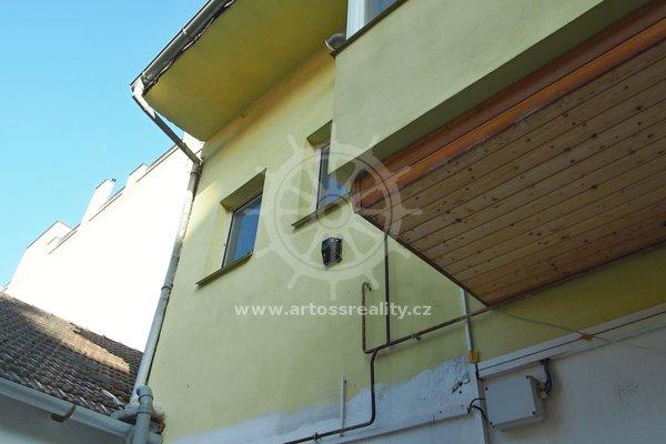 Pronájem bytu 1+kk, Brno - střed, ul. Vodní, UP 14 m² + sdílená koupelna