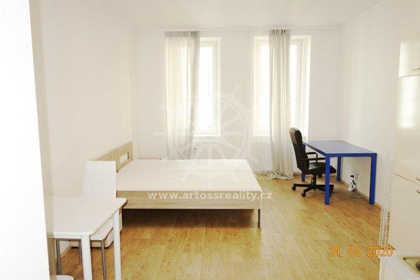(303A) Pronájem krásného vybaveného bytu 1+kk v centru Brna, ul. Bratislavská, UP 36 m2