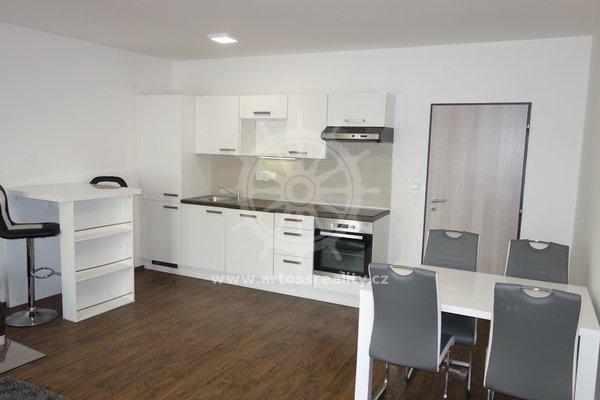 (A501) Pronájem zařízený byt s balkonem 5 m2, 2+kk, 58m² - Brno, ul. Bratislavská