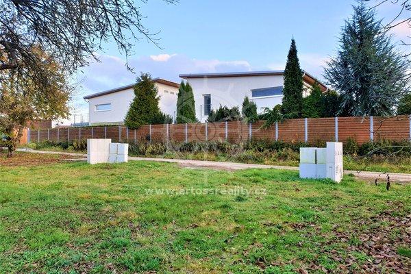 Exkluzivní stavební pozemek pro stavbu samostatně stojícího rodinného domu, Bílovice nad Svitavou, 1300 m2
