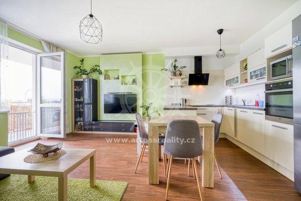 Prodej bytu 3+kk s lodžií a balkonem, na ulici Novosadský dvůr, Olomouc, CP 80,09m2