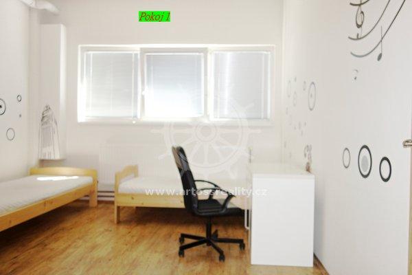 (ŠM16) Pronájem bytu 55 m2 se samostatnými pokoji s vlastní kuchyňkou 1 - Brno - Židenice, ul. Šámalova