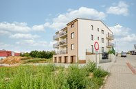 Prodej novostavby bytu 2+kk s balkonem, CP 60 m2