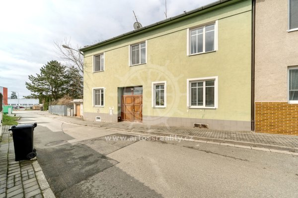 Prodej, Byty 3+kk, 82m² + sklep + společný dvůr + vlastní část zahrady - Brno - Maloměřice, ulice Franzova