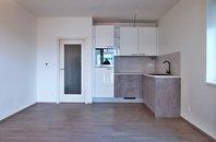 Pronájem bytu 1+kk s lodžií, Šlapanice, ul. Brněnská pole, UP  31,8 m² + lodžie 5,2 m²