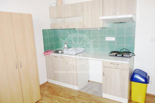 (ŠM17) Pronájem bytu 2+1 55 m2 se samostatnými pokoji s vlastní kuchyňkou, Brno - Židenice, ul. Šámalova