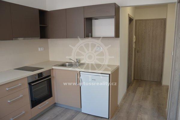 Pronájem prostorného bytu 1+1, 33 m² - ul. Příkop, Brno