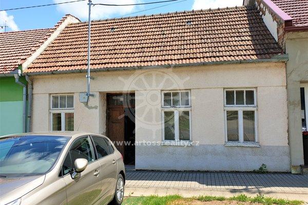 Rodinný dům s velkou zahradou, Koryčany, okres Kroměříž
