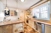 Prodej rodinného domu 7+1+ateliér, se zahradou a garáží na ulici Studýnky, ,  Šlapanice - Bedřichovice, CP 887m2